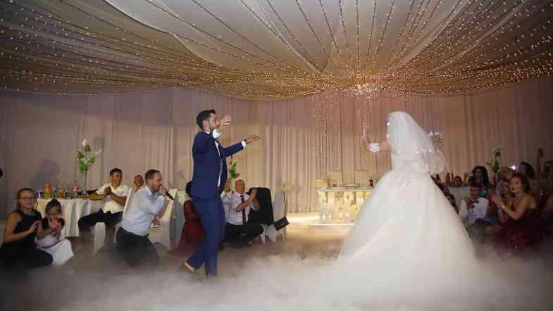 Ndalohen dasmat dhe ahengjet tjera
