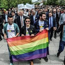 Ministri i drejtësisë: Po i hapim rrugë martesave mes gjinisë së njejtë në Kosovë