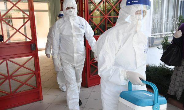 Virusi i ri Covid-19 edhe më infektiv