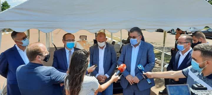 Ministri Kuçi bashkë me kryeministrin Hoti vizituan dy kompani eksportuese