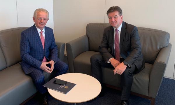 Lajçak takon Hysenin dhe Gjuriqin në Bruksel: Filluam dialogun politik në nivel ekspertësh