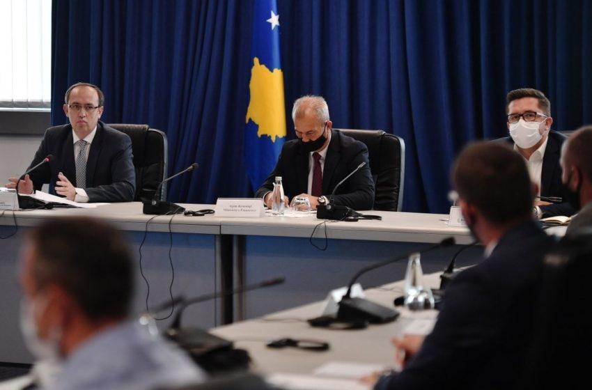 Kryeministri Hoti: Garantojmë transparencë të plotë të shpërndarjes së fondeve të rimëkëmbjes