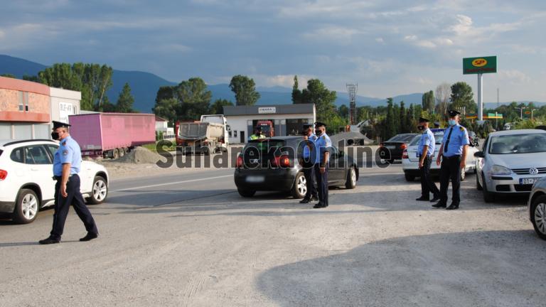 """Blindohet"""" Suhareka, policia shpërndan gjoba për mos bartje të maskave"""