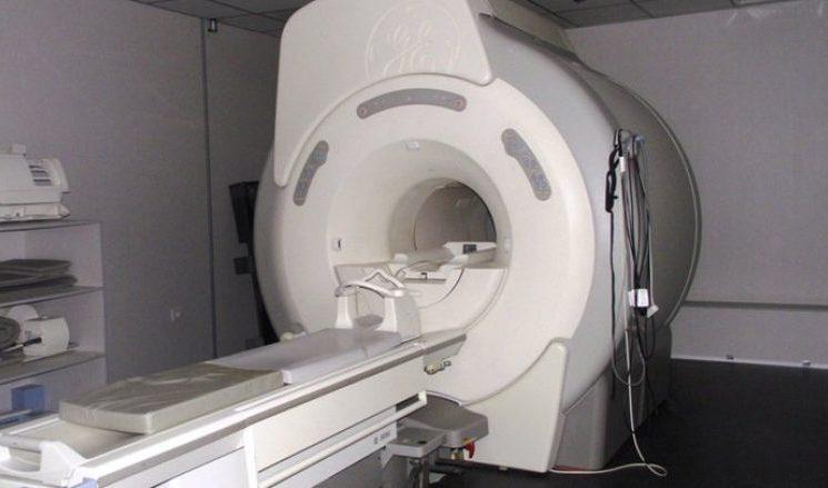 Vdes gjatë rezonancës magnetike një vajzë 7-vjeçare në Prishtinë