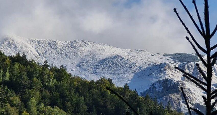 Bora mbërrin në Kosovë, zbardhen kodrat e Rugovës