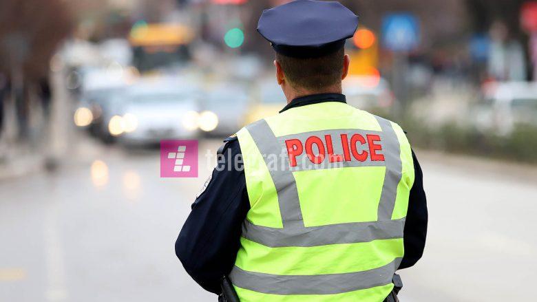 Policia i dha sinjal të ndalojë, i dyshuari rriti shpejtësinë dhe godet një veturë- pas arrestimit kanos zyrtarët policor