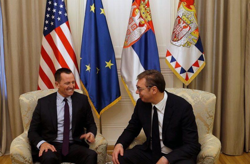 B92: Vuçiqit iu dorëzua në tavolinë letra për pranimin e Kosovës