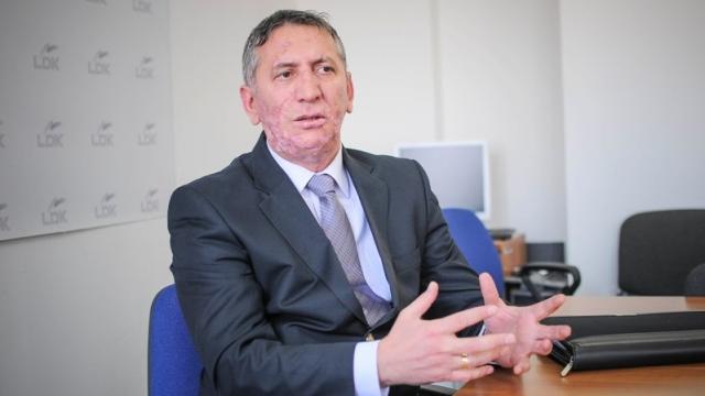Anton Quni është tërhequr nga kandidimi për kryetar të LDK-së, shkruan Gazeta Sinjali.