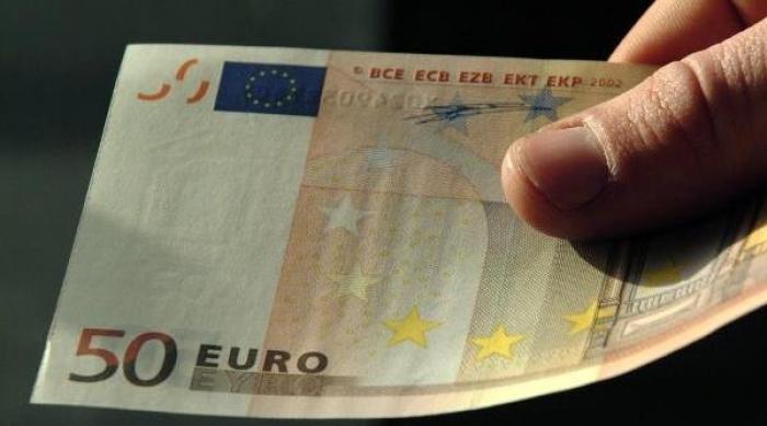 Nën kërcënimin e thikës i grabisin 50 euro shtetasit sirian