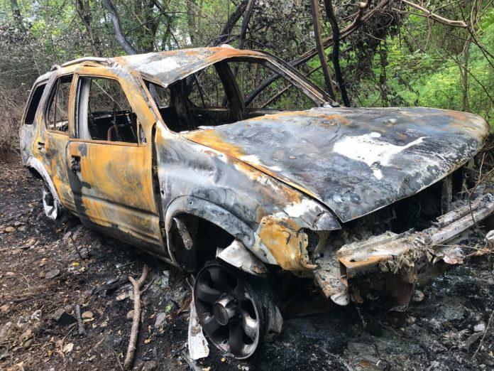 Hajnat ia vjedhin veturën, suharekasi e gjen të djegur e të shkatërruar në mal