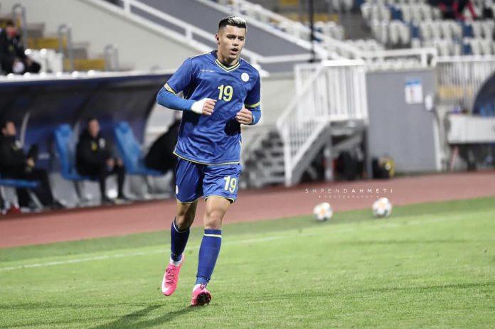 Shqipëria mposht Kosovën në ndeshjen vëllazërorë u shënuan tre gola, debuton Daku