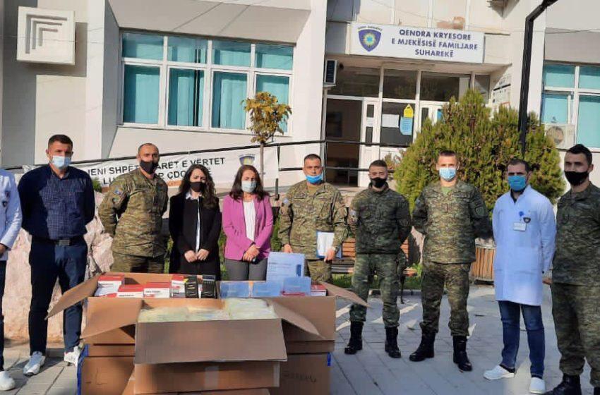 FSK dhuron donacion për QKMF-në në Suharekë