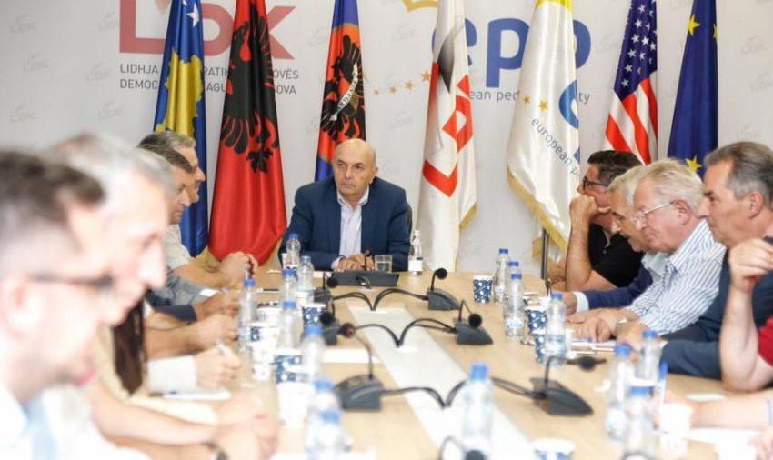Humbja e LDK-së në Podujevë, Isa Mustafa thërret mbledhje urgjente të Kryesisë