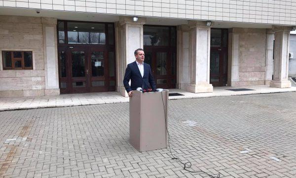 LDK-ja e sfidon Vetëvendosjen pas tensioneve për Driton Selmanajn, ua përmend mocionin