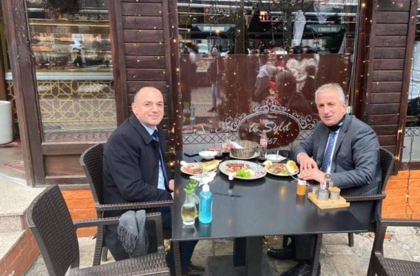 """""""Diçka po zihet"""" mes VV-së e AAK-së, Haskuka e Muharremaj drekojnë bashkë"""