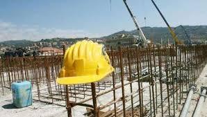 E rëndë: Vdes një kosovar 38 vjeçar, ra nga një ndërtesë ku po punonte