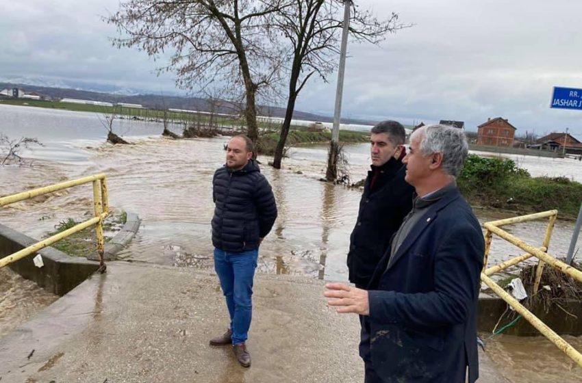 Dr.Ardian Shala ka vizituar vendbanimet e prekura nga vërshimet