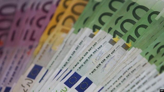 Vihet në pikëpyetje ndarja e 300 eurove për punëtorët