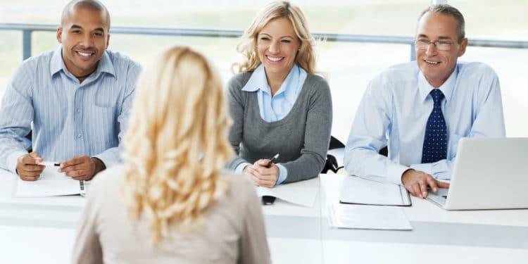 8 gjërat që nuk duhet t'i bëni në një intervistë pune