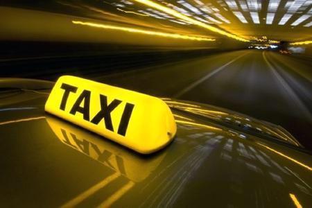 Suharekë: Nën kërcënimin e thikës, plaçkitet taksisti