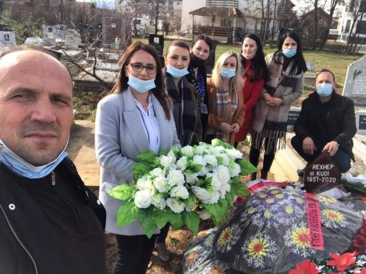 Stafi i HANDIKOS përkujton Rexhep Kuçin në datëlindjen e tij