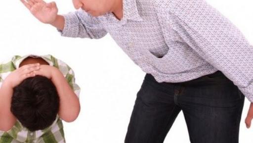 Babai rrah djalin pasi e akuzon për vjedhje