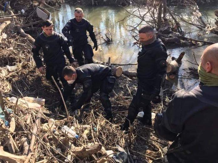 """Policia e konfirmon gjetjen e trupit të pajetë të mësimdhënësit që kërceu nga """"Ura e Fshajtë"""""""