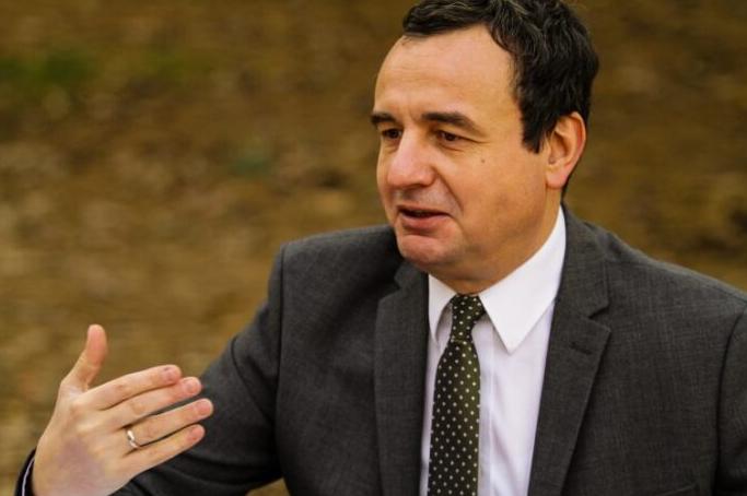 Albin Kurti: Asnjë fëmijë nuk do të mbetet i uritur – 50, 100 ose 150 euro për ta