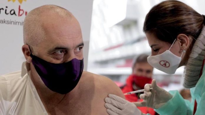 Vaksinat e premtuara nga Edi Rama për Kosovën që nuk erdhën kurrë