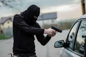 Një muaj paraburgim për të dyshuarin për grabitje dhe lëndim me thikë ndaj një taksisti në Shirokë