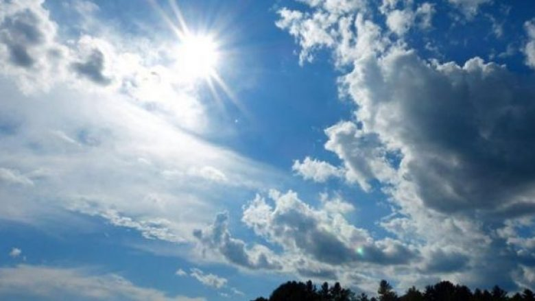 Sot, mot me diell dhe vranësira