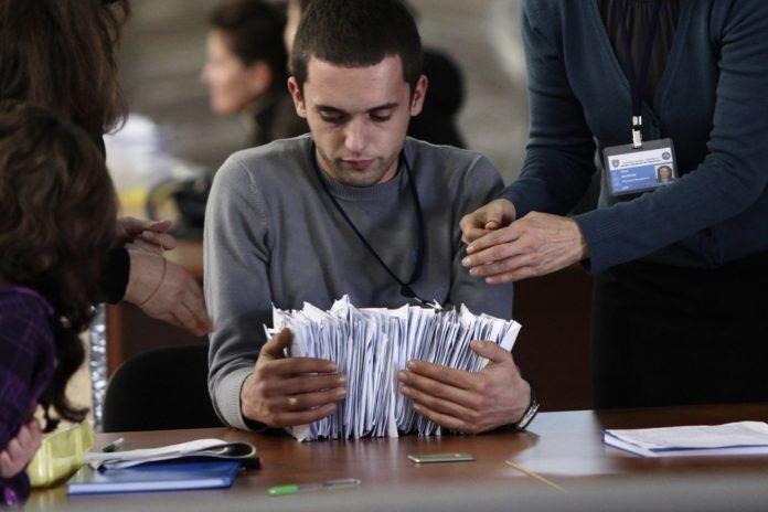 Refuzohen mbi 16 mijë zarfe me vota nga diaspora