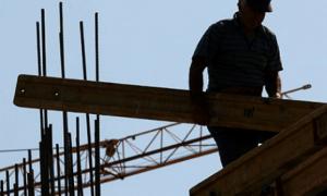 Vdes një punëtor në Prishtinë, bie nga lartësia e ndërteses ku po punonte