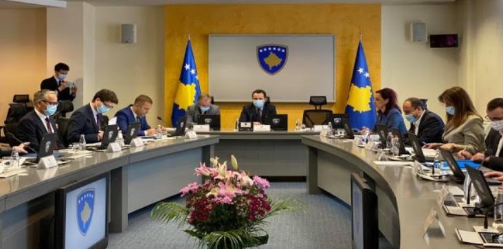 Qeveria e Kosovës heq lejet e qëndrimit të përkohshëm me Shqipërinë